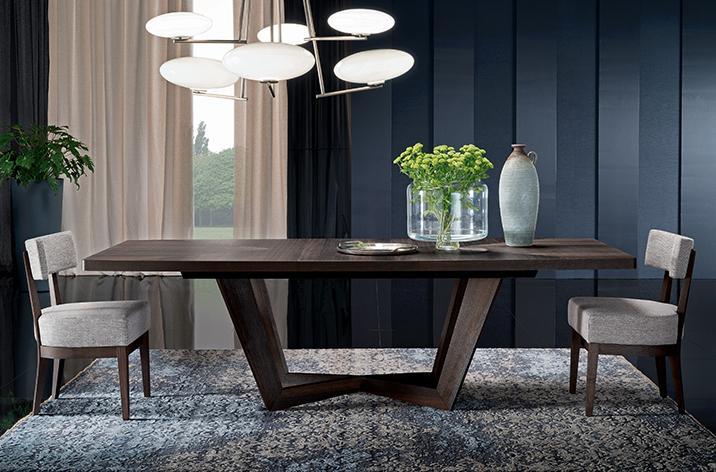 Stół Accademia z krzesłami z oferty Kler