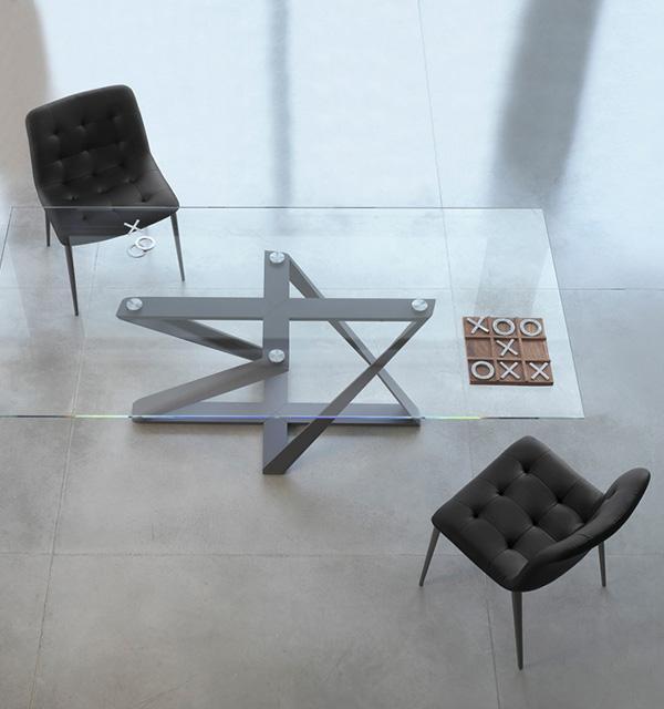 Zbliżenie na szklany blat stołu Millenium firmy Bontempi z oferty Kler.