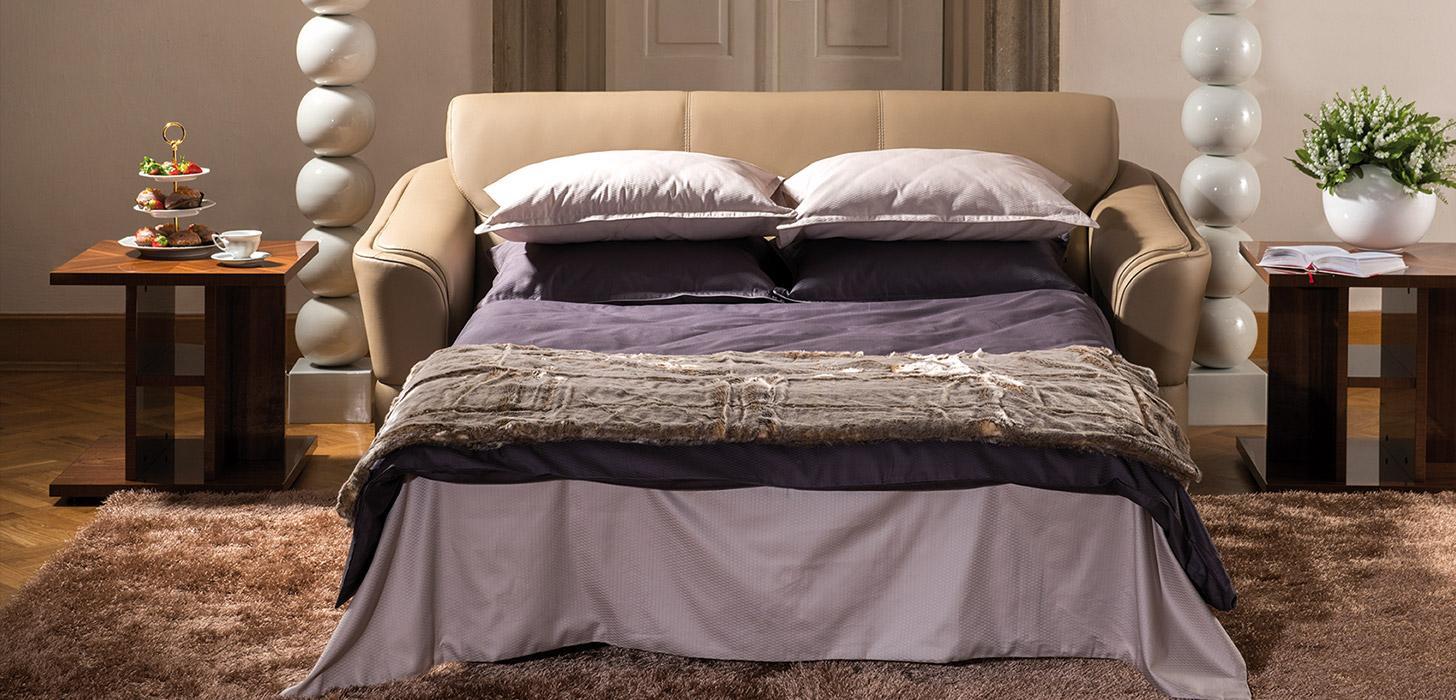 Sofa z rozłożonym łóżkiem z kolekcji Arpeggio marki Kler