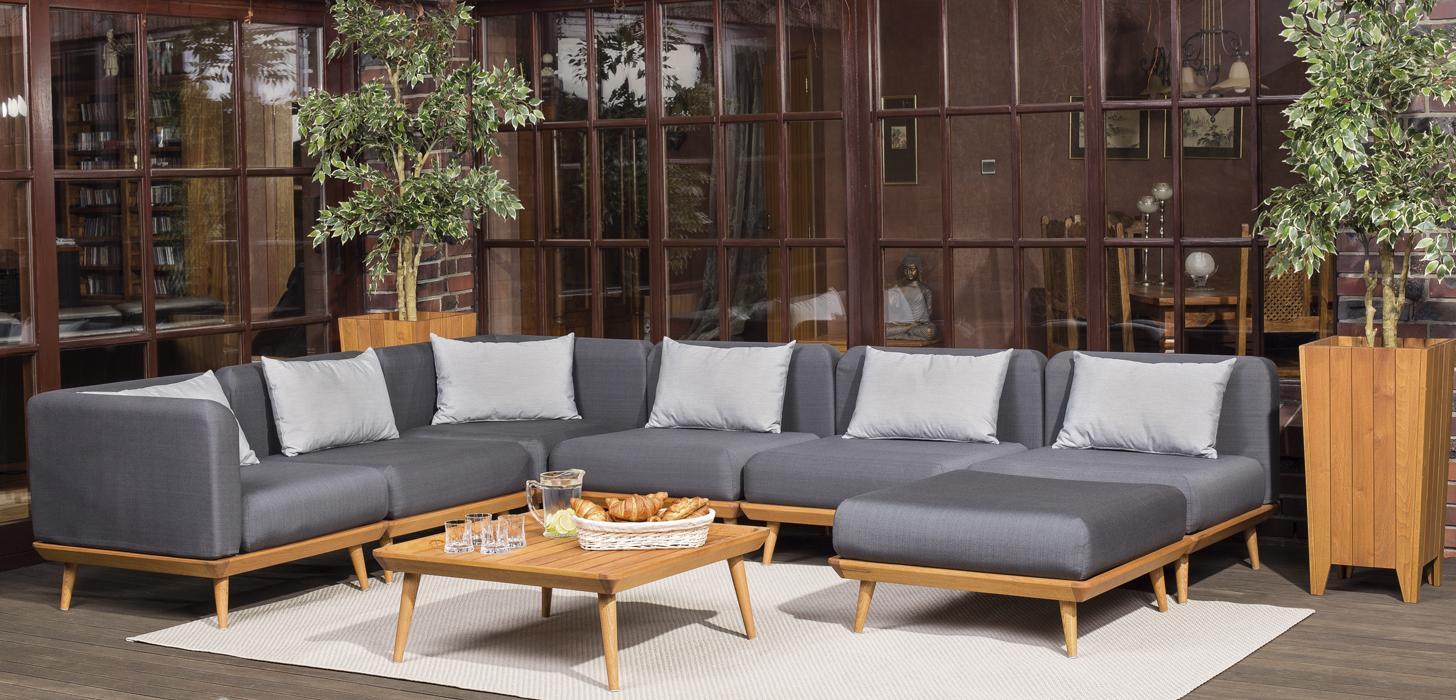 Narożnik ogrodowy z kolekcji Nourd umieszczony na eleganckim tarasie. Kolekcja dostępna w salonach Kler.
